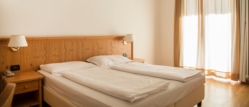 golf-hotel-folgaria-standard-room.jpg